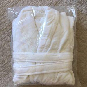 Other - Unisex white robe size XL , brand new
